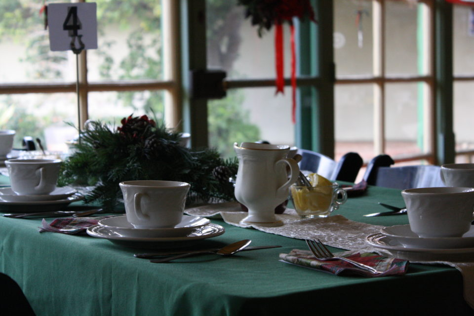 Holday Tea16 place setting