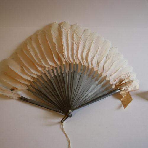 Flamingo Feather Fan
